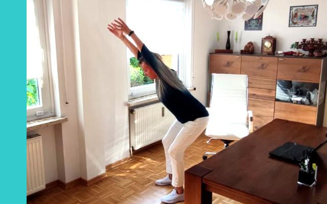 Fitnessuebung im Stehen